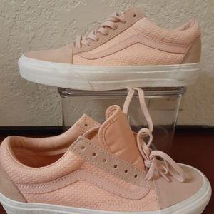 VANS shoes women size 6. 5 new